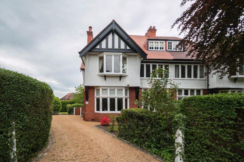 5 Bedrooms Property for sale in Walton Road, STOCKTON HEATH, Warrington, WA4